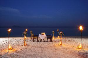 Risultato immagini per bahamas candlelight 300x200